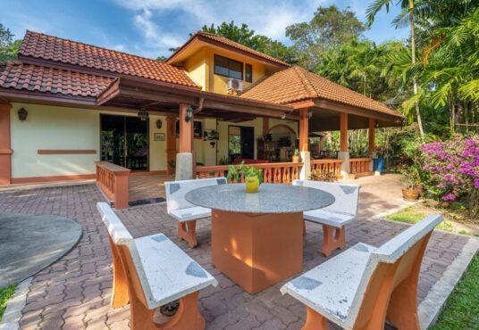 3 BEDROOM HOUSE AT LAYAN LAKE